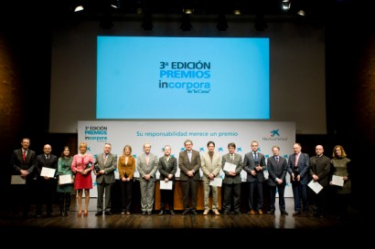 Foto de famlia de les empreses guardonades als Premis Incorpora 2010. Foto: Obra Social &quot;la Caixa&quot;