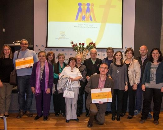 Foto de família dels  2ns Premis d'Acció Social Mercè Bañeras i Maria Figueras. Foto: Plataforma Educativa